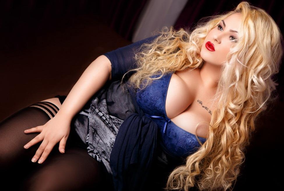 Busty mistress : Other Porn